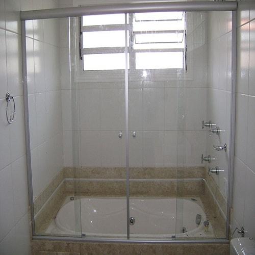Box sobre banheiro 4 folhas vidro temperado de 8 mm, com ótimos preços a pronta entrega ou com entrega programada. Dubox SP, o Box Certo pra Você. WhatsApp (11) 9.4262-6626