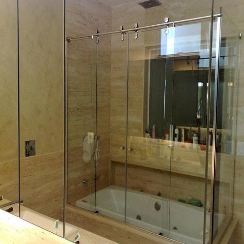 box elegance sobre banheira vidro temperado de 8 mm, com altura padrão de 1,90 cm, a pronta entrega. Várias opções de cores de acabamento com qualidade total. Dubox SP, o Box Certo pra Você