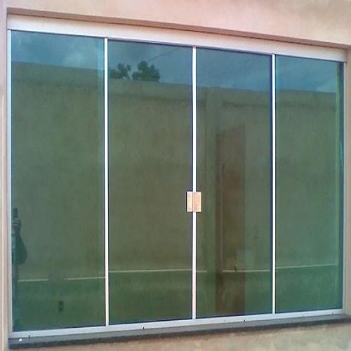 Janela de vidro verde temperado de 8 mm, com ótimos preços a pronta entrega ou com entrega programada. Dubox SP,
