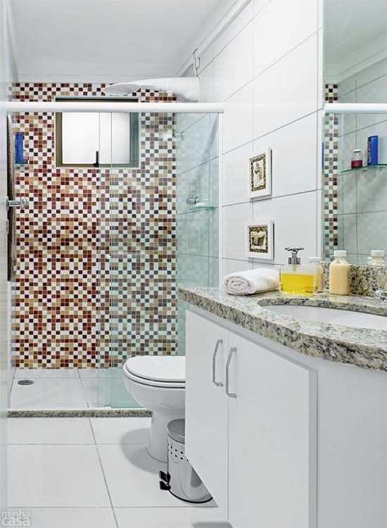 Box de vidro modelo frontal incolor temperado de 8 mm, Box para banheiro modelo padrão com largura aproximada de 124 cm e altura total de 1,90 cm. Perfil de acabamento em aluminio na tonalidade branca.