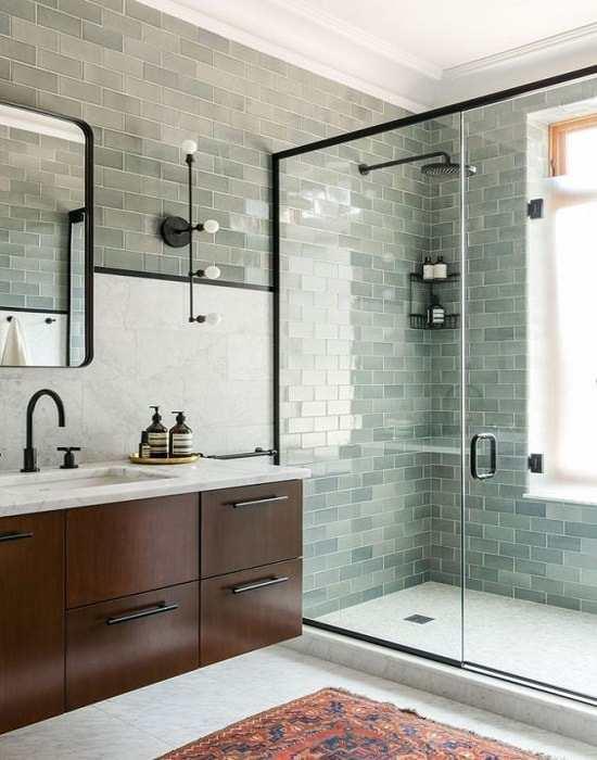 box-para-banheiro-em-sao-paulo. box de banheiro vidro incolor de 8 mm, temperado com largura aproximada de 150 cm e altura padrão de 1,90 cm, puxador H na tonalidade preta.
