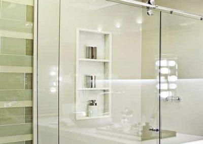 Box Elegance Vidro Incolor vidro temperado de 8 mm, com acabamento inox