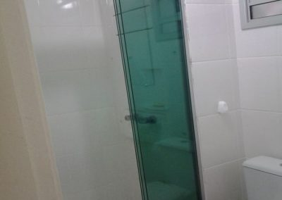 Box versatik verde Dubox sp vidro temperado. Box de vidro a pronta entrega com preços promocionais e várias opções de perfil de acabamento.
