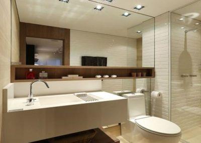 Espelho banheiro encaixado na parede Dubox sp. Espelho de 4 mm, a pronta entrega para São Paulo e região metropolitana. Confira nossos preços.