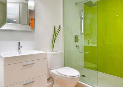 Box para banheiro na liberdade vidro temperado. Box de vidro a pronta entrega com preços promocionais e várias opções de perfil de acabamento.