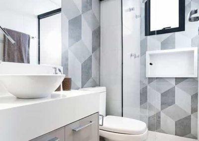 Box para banheiro na republica vidro temperado. Box de vidro a pronta entrega com preços promocionais e várias opções de perfil de acabamento.