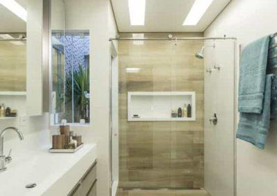 Box para banheiro na zona norte vidro temperado. Box de vidro a pronta entrega com preços promocionais e várias opções de perfil de acabamento.
