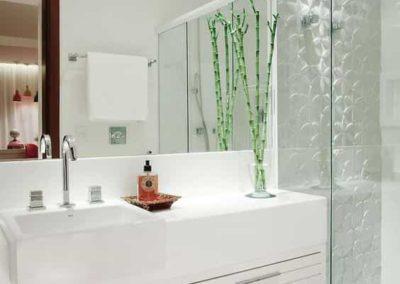 Box para banheiro no Morumbi vidro temperado. Box de vidro a pronta entrega com preços promocionais e várias opções de perfil de acabamento.