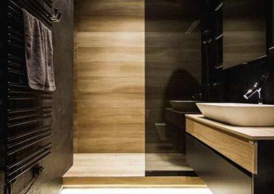 Box para banheiro no tabuão da serra. Box de vidro a pronta entrega com preços promocionais e várias opções de perfil de acabamento.