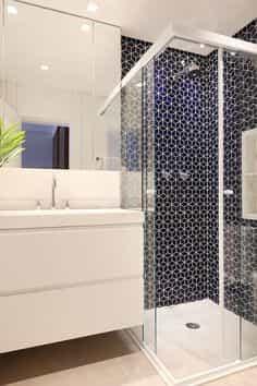 Box para banheiro Osasco Dubox sp vidro temperado. Box de vidro a pronta entrega com preços promocionais e várias opções de perfil de acabamento.