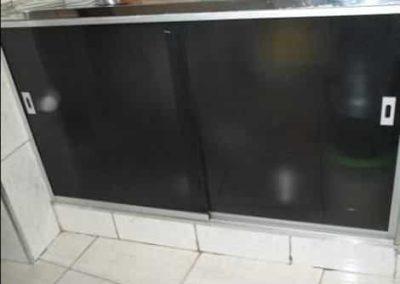 Kit pia porta de correr de cozinha várias cores. Kit de vidro a pronta entrega para São Paulo e região metropolitana. Confira nossos preços.